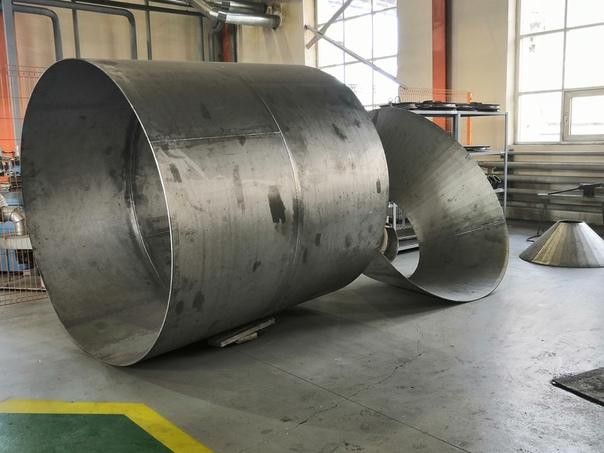 Ремонтно-механический цех филиала ПСЦМ изготавливает аппарат колонного типа...