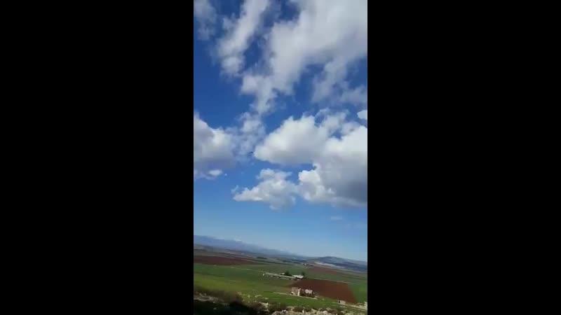 فيديو نشرته تنسيقيات المسلحين يظهر مروحيات تركية خلال دخولها الاجواء السورية لإجلاء عدد من مصابي الجيش التركي mp4