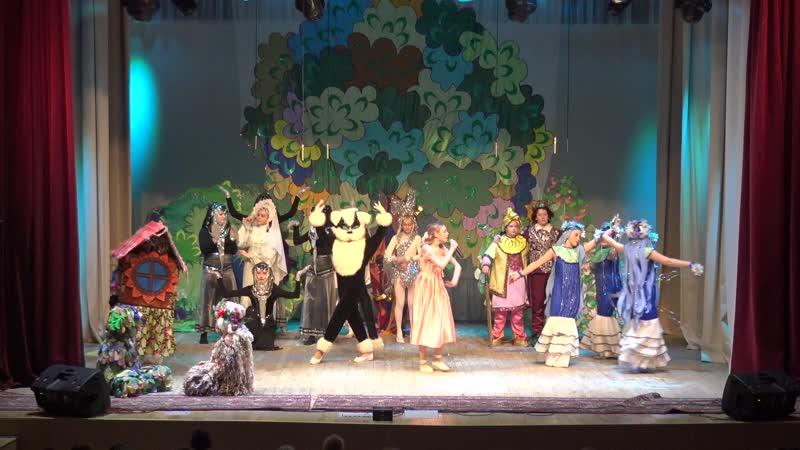 Выступление детского образцового музыкального театра Золотой Ключик на открытии международного фестиваля Чароуны куфэрак (29
