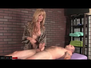 [ mature &  massage / grandmothers , jerking off a guy , old with young]