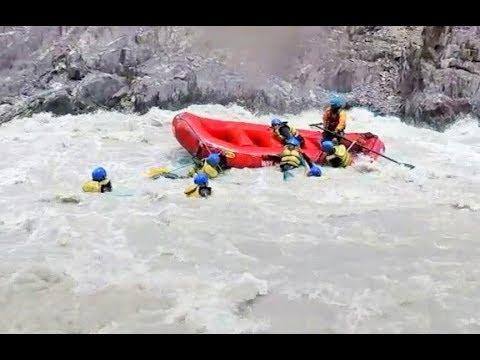 Ladakh Raft flip and Rescue Salute to Trainer River Rafting in Leh Ladakh Toughest in India