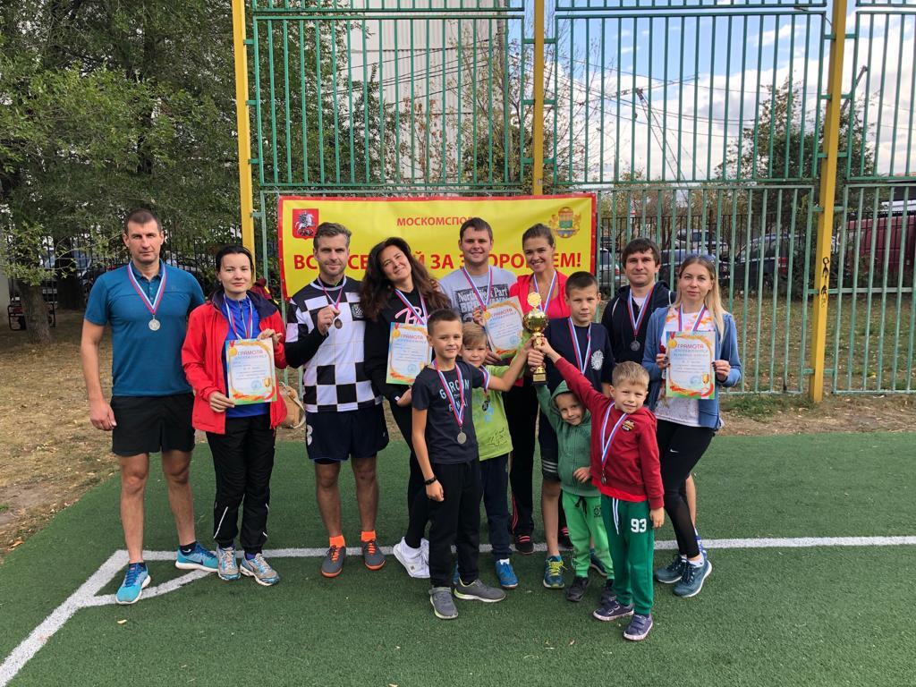 Команда Выхина-Жулебина взяла серебро в окружных соревнованиях спартакиады «Всей семьей за здоровьем»