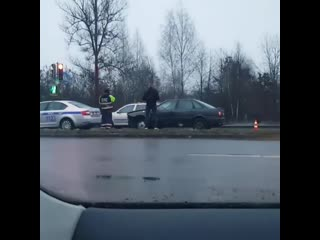 В Бресте на ул. Л.Рябцева водитель AUDI въехал в автомобиль ГАИ