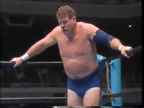 Terry Gordy (C) vs Stan Hansen (AJPW 8/06/1990)