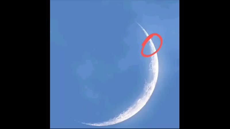 Strange and massive objects plow near the moon captured on amateur film from Quebec Canada