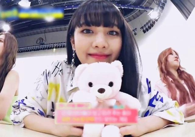 "Minnie nicha yontararak💜 on Instagram bear bear 🐻💞 and peep at oogie at the back hoho cute"""