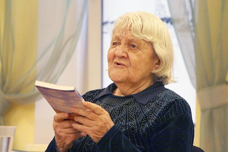 Умерла переводчица Толкина и Киплинга Галина Усова, продававшая свои книги у метро