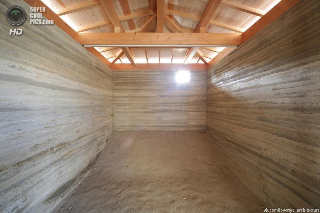 Технология возведения стен из утрамбованной земли,как можно строить дома фактически из ничего ‼