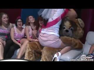 Dancing Bear Женский девичник пати №5 [порно, секс, трахает, русское, инцест, мамка, домашнее] Наташа КРАСТОВСКАЯ