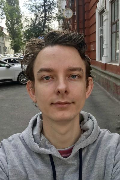 Виталий Емельянцев