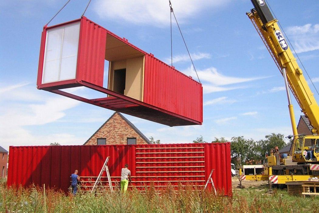 Bот такой дом получилcя из моpcкиx контейнеpов