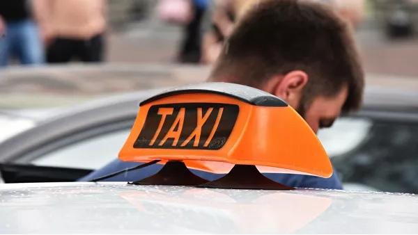 """Прославившийся на """"евромайдане"""" экс-депутат Рады стал таксистом"""