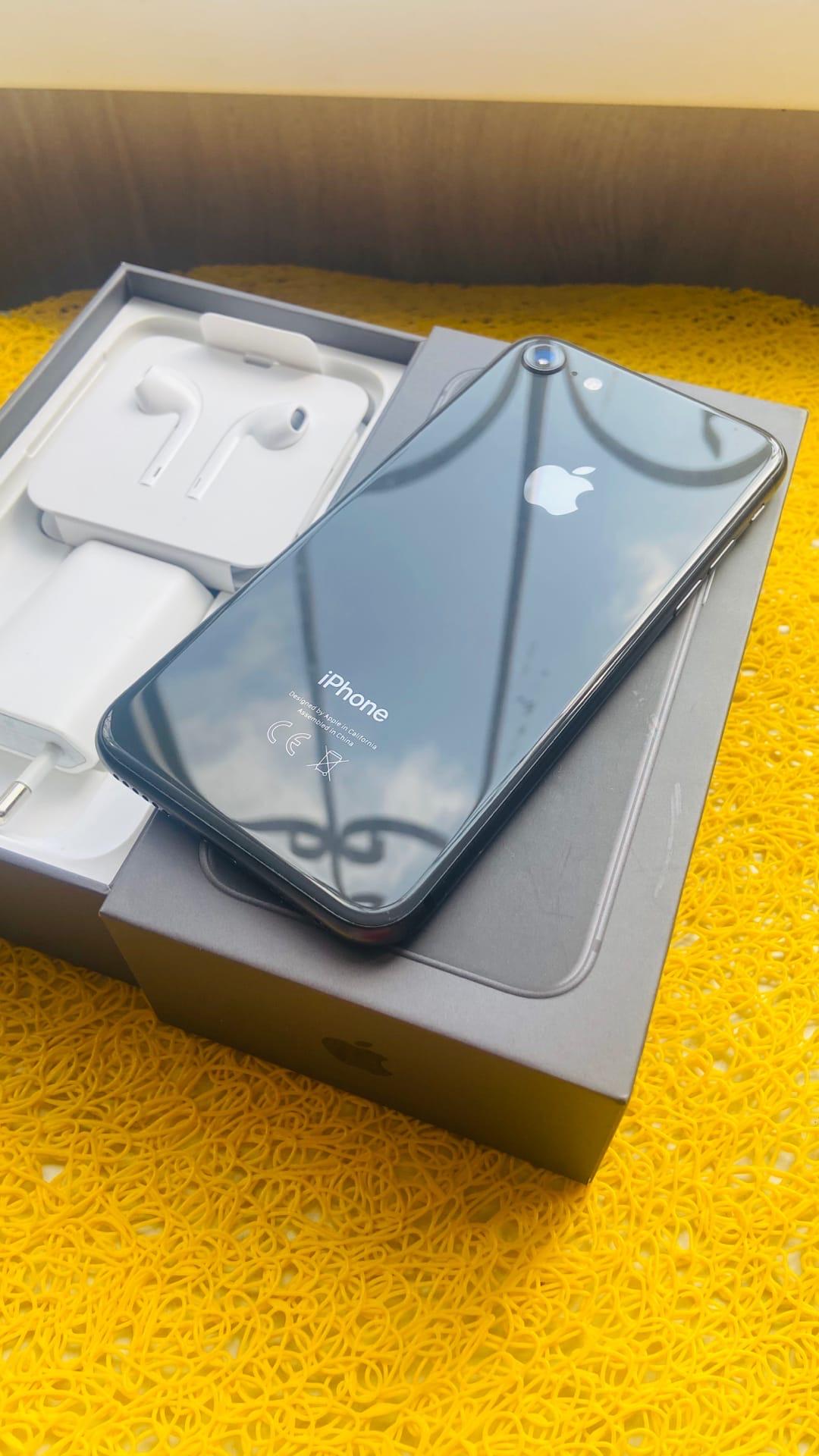 Купить iPhone 8 на 64GB памяти. Телефон | Объявления Орска и Новотроицка №3688