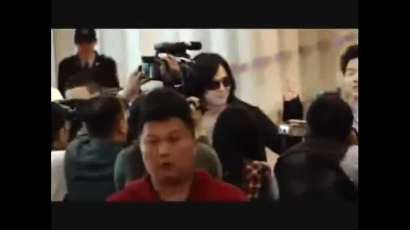 2010 03 06 Jang Keunsuk arrival in Taiwan airport