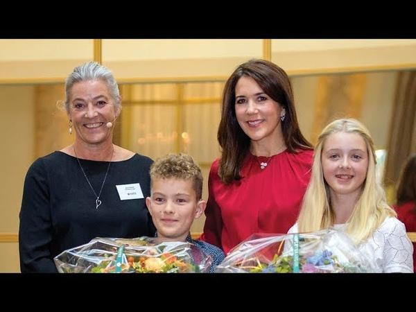 Kronprinsesse Mary mødte to seje børn på Hotel d'Angleterre