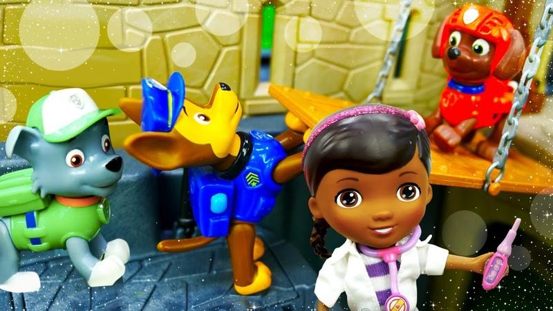 Видео про игрушки из мультфильма Щенячий патруль Доктор игрушек Плюшева проводит медосмотр