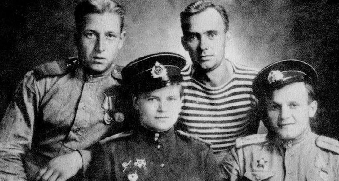 Евдокия Завалий и ее боевые товарищи