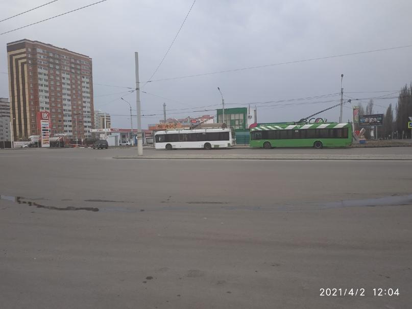 """☝️Добрый день! На остановке общественного транспорта """"Первый Северо-Западный мик..."""