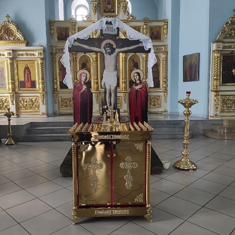 В Покровский храм Петровска доставили новую церковную утварь, которую заказал один из благотворителей