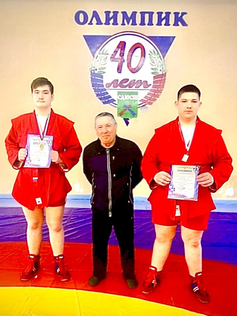 Петровские самбисты стали призёрами регионального первенства