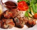Предлагаем Вашему вниманию новинку нашего меню: Шашлык из свиной шеи, стоимость порции 370 руб  Шашл
