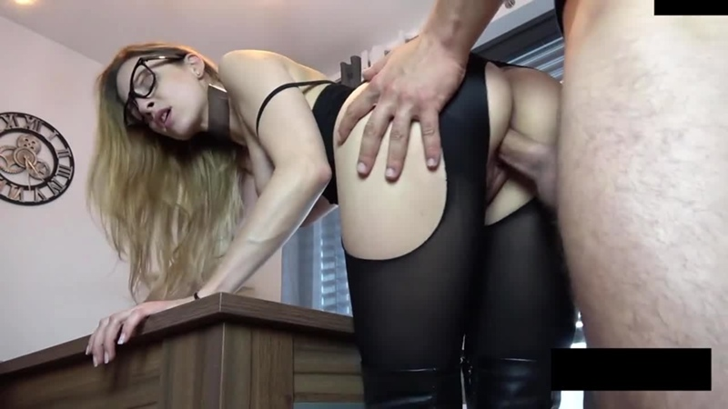 Long legged girl gets fucked in black nylon tights and