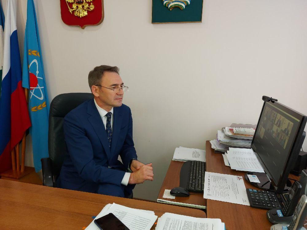 Мэр города обвинил жителей в нежелании работать за 15 тыс. рублей