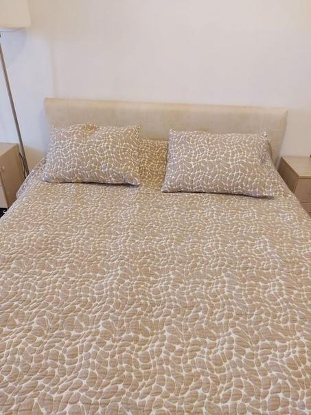 Кровать в идеальном состоянии, компактная и надежн...