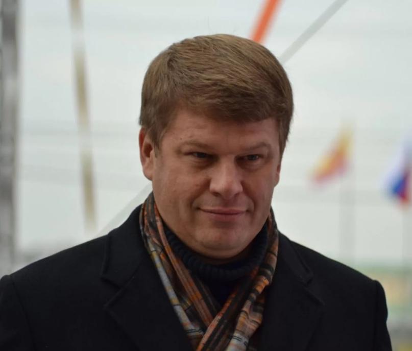 Телекомментатор Дмитрий Губерниев оценил отказ российского биатлониста Александр...