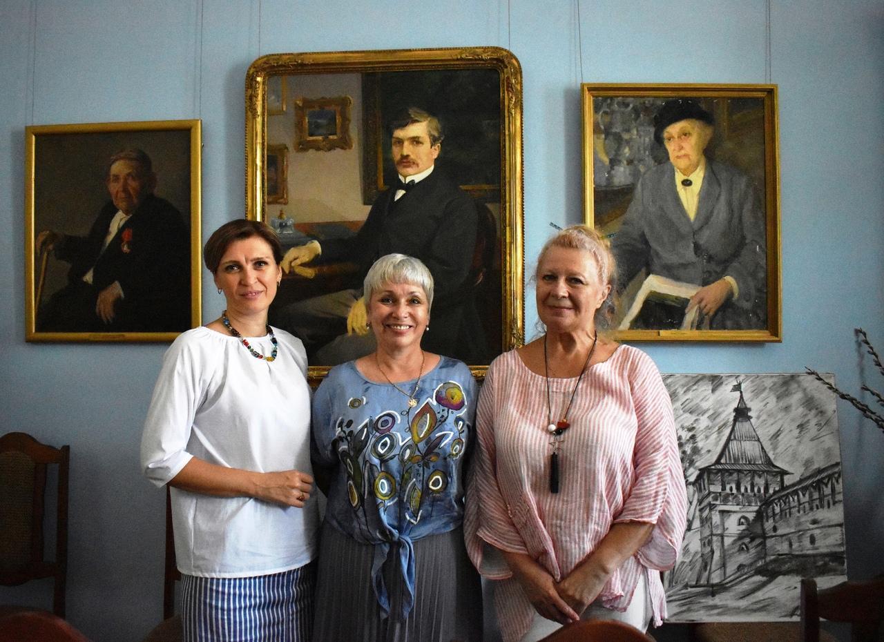 ХМ «Арт-Донбасс» укрепил связи с астраханской картинной галереей имени М.П. Догадина