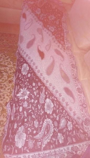 Очень теплый и красивое дополнение к верхней одежд...