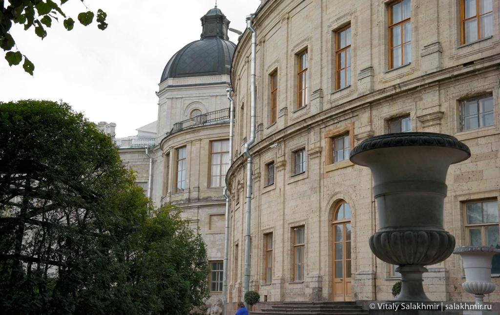 Большой Гатчинский дворец, вид из парка, Гатчина 2020