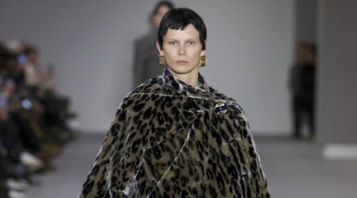 Владелец Gucci, Balenciaga и Saint Laurent полностью откажется от меха животных