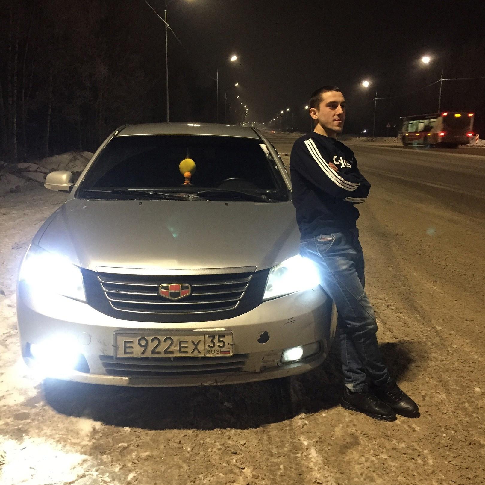 Дмитрий, 22, Sheksna