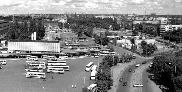 Автовокзал Калининграда . ТЦ еще строится ....