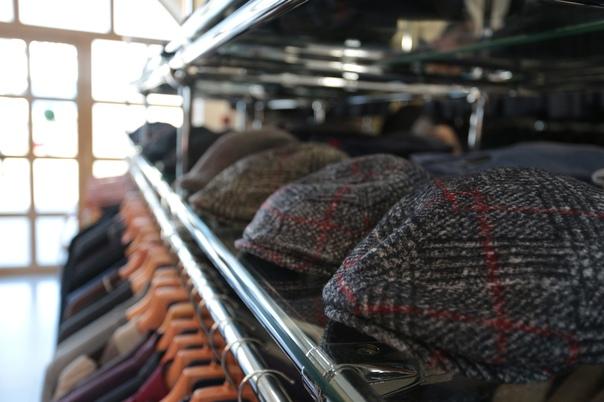 Salvatini - итальянская торговая марка мужской одежды. Компания специализируется на выпуске классиче