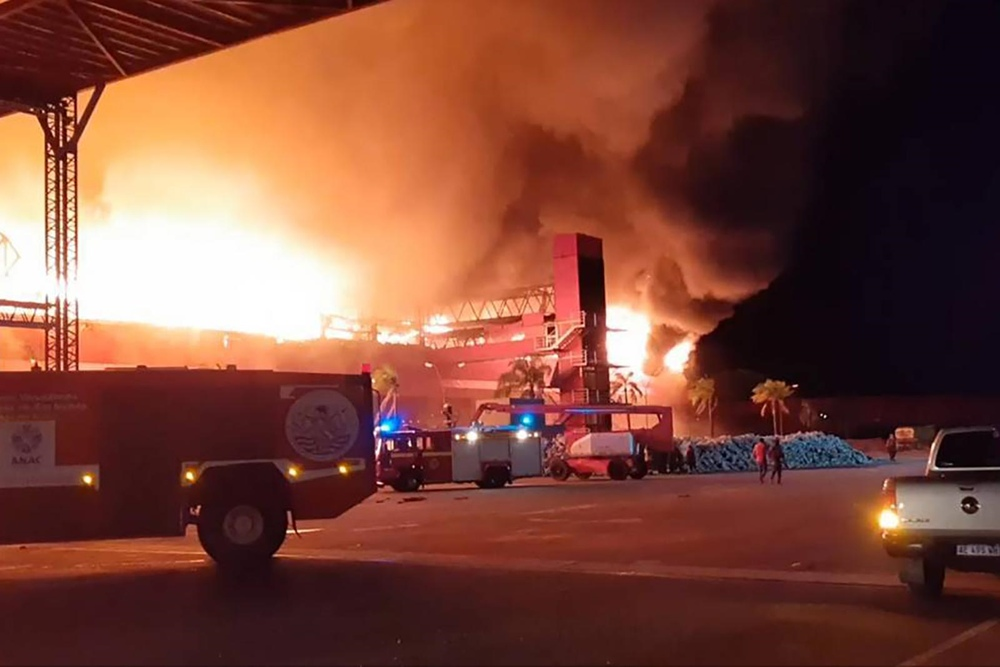 Гаражный комплекс Терма де Рио Ондо сгорел