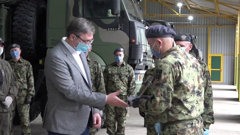 Predsednik Vučić obišao Treći raketni divizion 250 raketne brigade za PVD