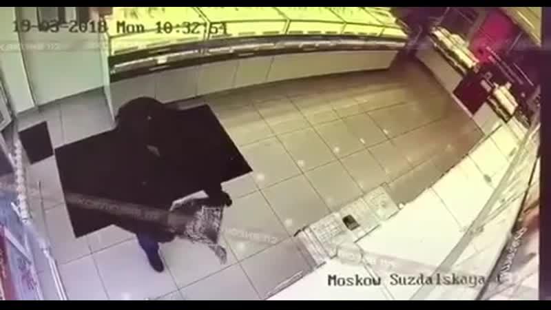 Так себе сегодня началось утро и у продавцов ювелирныймагазин на Суздальская улице в Москва ограбление грабеж разбой пре