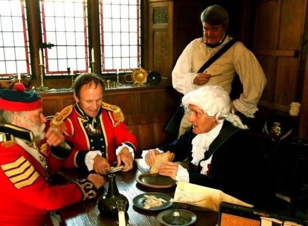 Сандвичи изобрёл граф Сандвич в 18-ом веке Английский граф Джон Монтегю Сандвич, живший в конце 18 века, славился своим пристрастием к играм. Он мог играть в карты без отдыха несколько дней. vvv