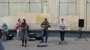 ЛЕНИНГРАД- На лабутенах- уличные музыканты-девочка классно спела