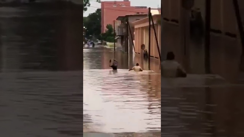 Senegal Heavy rains and floods hit Dakar Lluvias intensas e inundaciones golpean Dakar