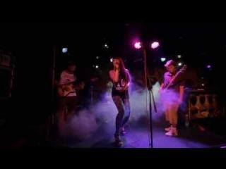 Sasha Ksandra & Amazing Fiasko Band - Fallin (Alicia Keys cover)