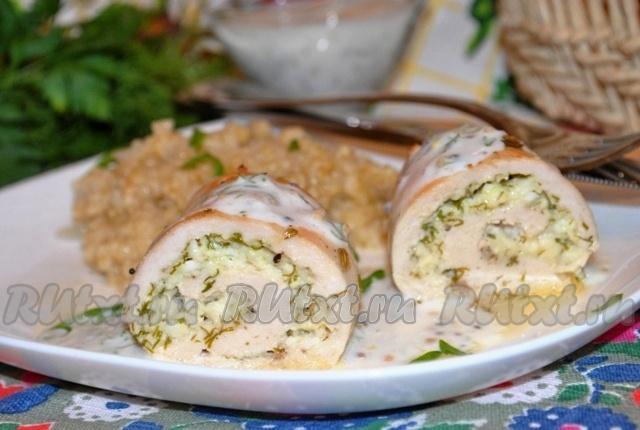 Куриные рулетики с сырной начинкой и йогуртовым соусом от inna-k