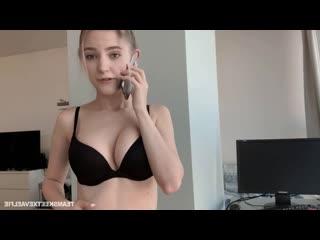 РУССКАЯ РЕЧЬ разговаривает по телефону с парнем сосет и раздвигает ножки влажная малолетка - 2020 russian webcam sex anal incest